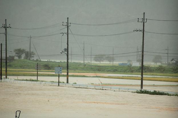 Photos: 大雨特別警報発令