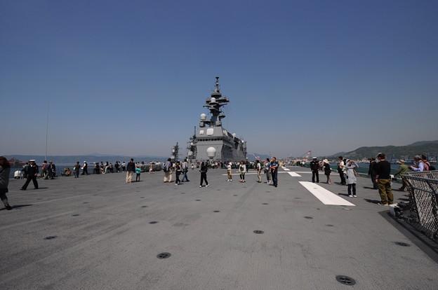護衛艦いせ 甲板