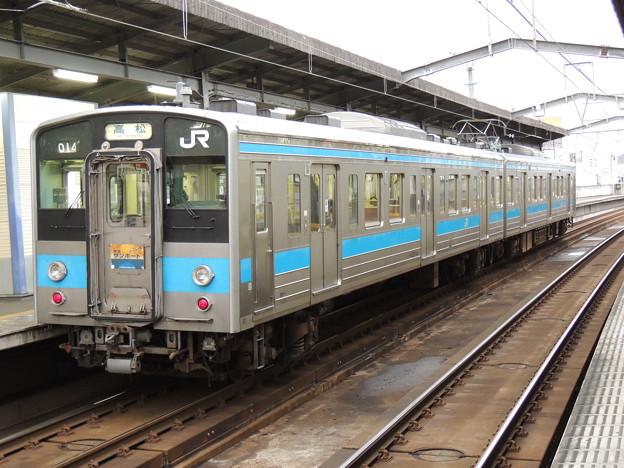 JR四国:121系(14)-01