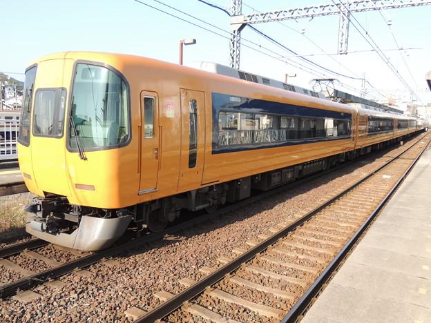 Photos: 近鉄:22000系(22107F)・12600系(12602F)-01