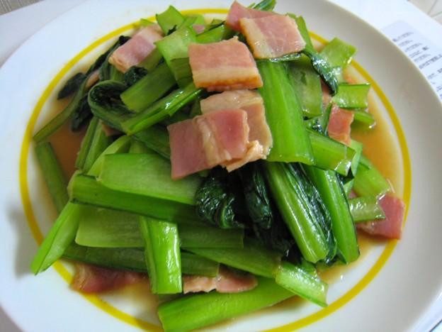 小松菜とベーコンの炒め物・・・