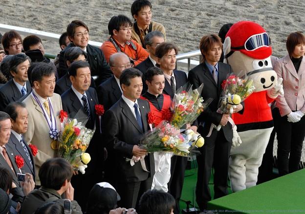 [川崎記念2007]記念撮影。ファンもドバイに夢を馳せます