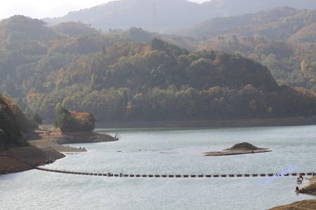 秋の前川ダム 2