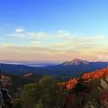 秋の朝日(猪苗代湖と磐梯山)