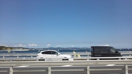 江ノ島大橋から三浦方面