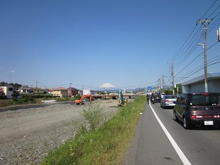 金目川と富士