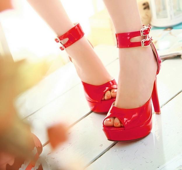 buckle platform peep toe