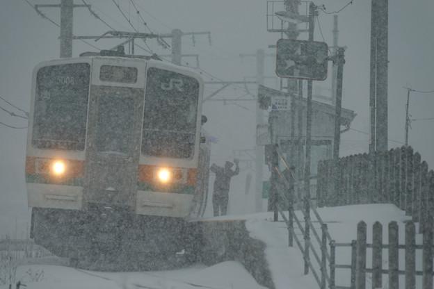 大雪の中で。