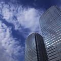 オフィス街の空