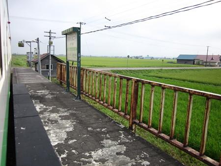 南下徳富駅4