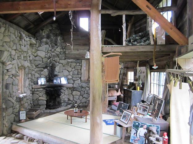 五郎の石の家内部