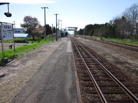 東滝川駅1