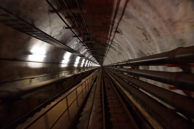 地下140メートルの世界へ