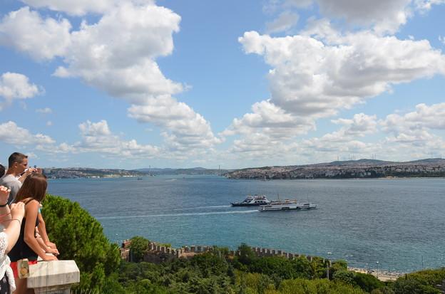 トプカプ宮殿からボスポラス海峡を望む