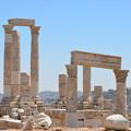 写真: ヘラクレス神殿跡、丘の上にあります
