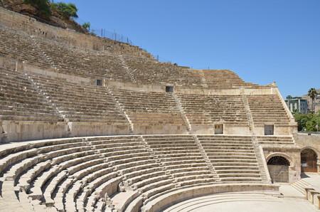 ローマ劇場、ヨーロッパ/中東のあらゆる所にあります