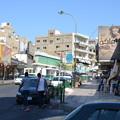 写真: アカバ市内。小さいが結構栄えている