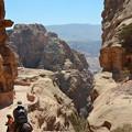 写真: 急勾配な頂上付近。ロバや馬で行く事もできます