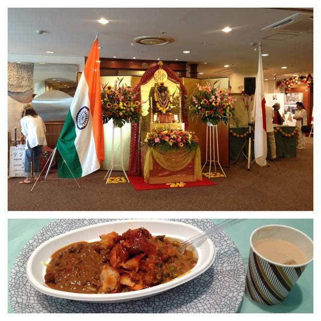 インドフェア_47:両国国旗とガネーシャ像、そしてカレーライスとチャイ