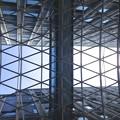 写真: 愛知大学 新名古屋キャンパス:校舎間にあるガラス屋根 - 07