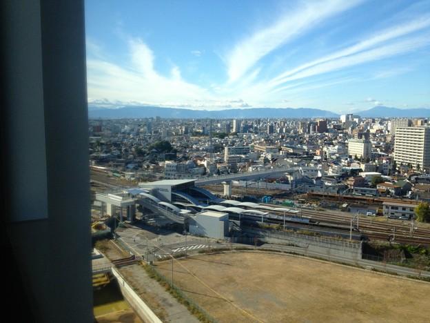 写真: 愛知大学 新名古屋キャンパスから見える景色:ささしまライブ駅