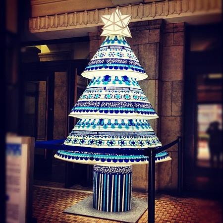 名古屋市役所:名古屋提灯のクリスマスツリー
