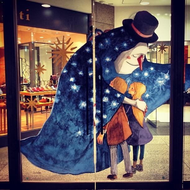 写真: 名古屋三越栄店:クリスマス、扉にスノーマンのイラストが