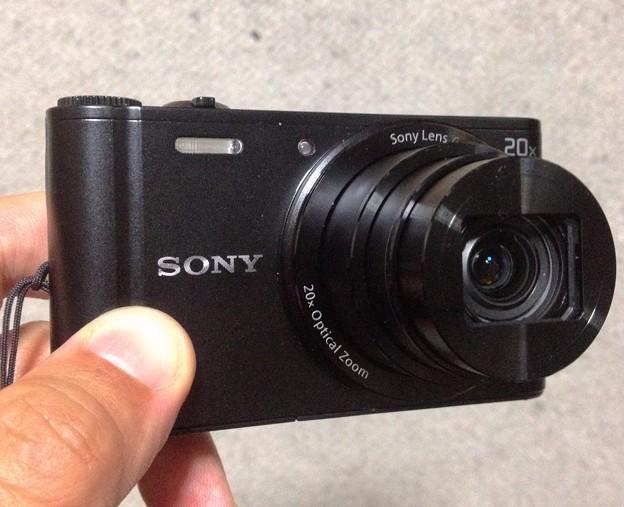 Sony DSC WX300:手で持ったところ - 1
