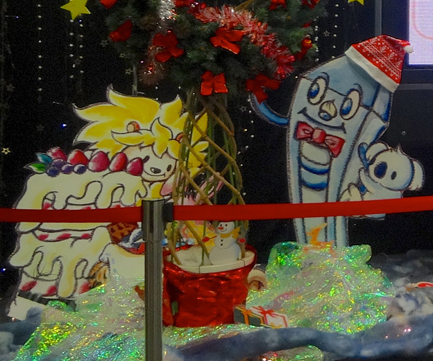 東山スカイタワー1階ロビーのクリスマス装飾 - 6