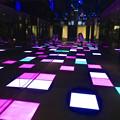 写真: ルーセントタワー地下1階「サンクンガーデン」の光る床 No - 4
