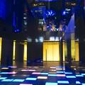 写真: ルーセントタワー地下1階「サンクンガーデン」の光る床 No - 6