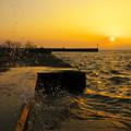 Photos: 夕日と波