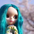 緑の髪の少女