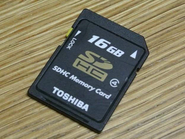 Toshiba-SDHC16G