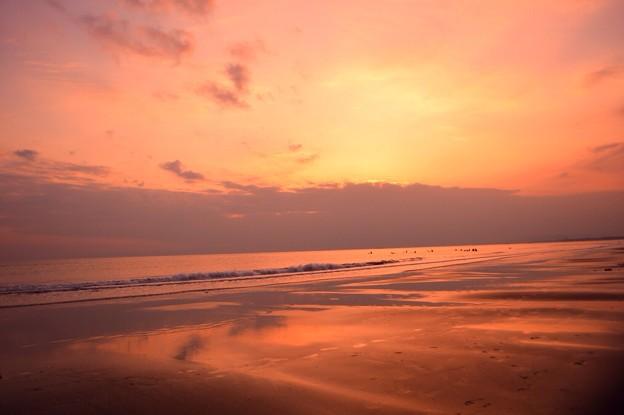 夕暮れの湘南・鵠沼海岸 #湘南 #藤沢 #海 #波 surfing #wave #mysky #夕焼け