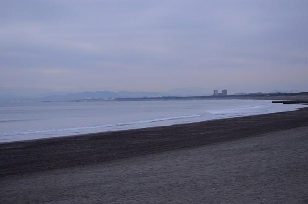 風はオフショア。曇り空の湘南・鵠沼海岸 #湘南 #藤沢 #海 #波 surfing #wave #mysky