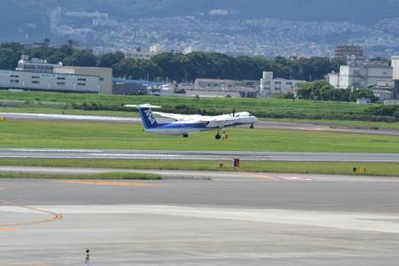 DHC-8-Q400@大阪国際空港 [8/23]