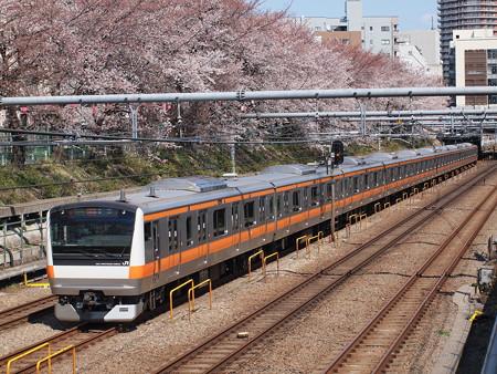 中央快速線E233