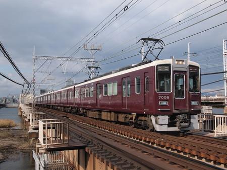 阪急7000系LED改造車 特急 阪急神戸線十三~中津
