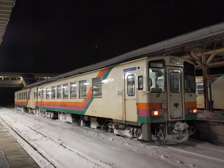 YR800形 フラワー長井線今泉駅2