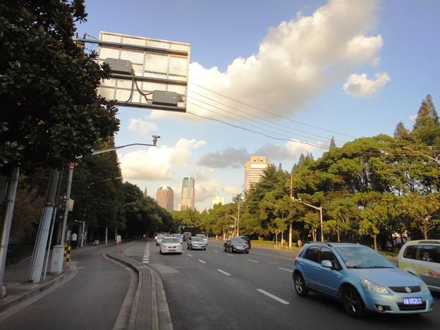 虹橋路と雲