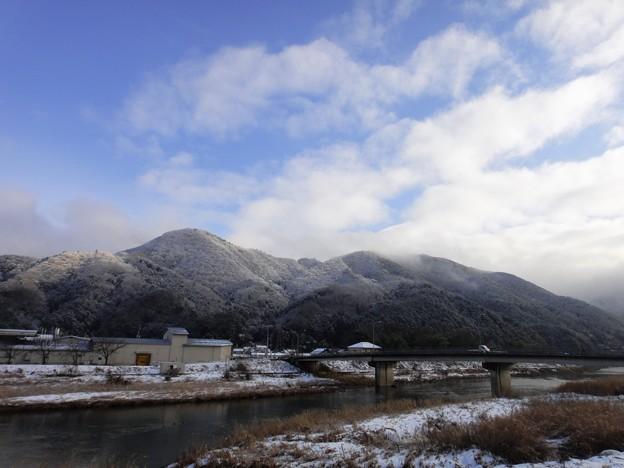老家 山と雪と橋と