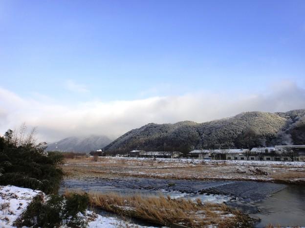 老家 川と山と雪
