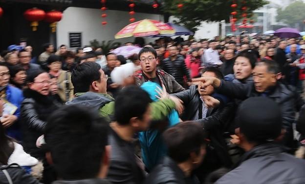 紹興 魯迅故宮で旅行客の喧嘩 (3)