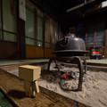 Photos: 囲炉裏を楽しむダンボーくん