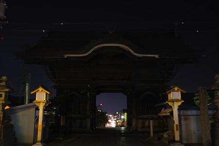 山門より長野市を望む