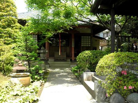 常性寺(布田駅)-07一願地蔵堂a_石仏像(L),馬頭観音(R)