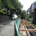 糟嶺神社(入間町)-神社横の川b明照院への道