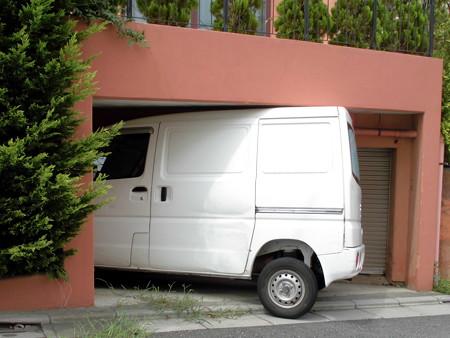 道すがら-01超絶技巧の車庫入れ