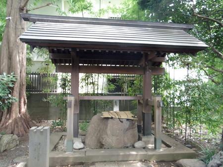 伊豆美神社(狛江)-05手水舎